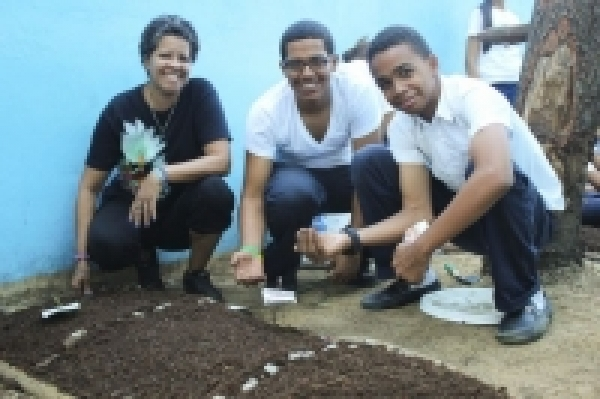EcoHuertos Garden Creation Workshop Quisqueya Education Center